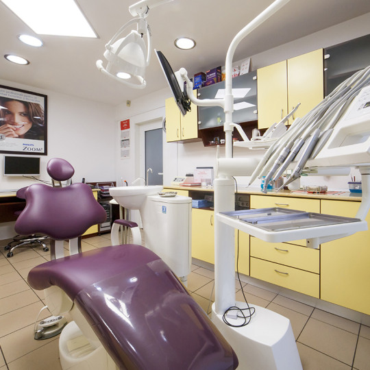 http://dentalplus.ro/wp-content/uploads/2015/12/Dental-By-JordaniStudio-005-copy-540x540.jpg