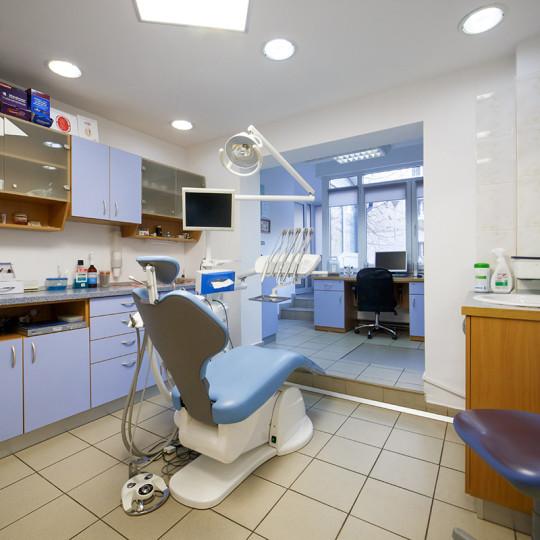 http://dentalplus.ro/wp-content/uploads/2015/12/Dental-By-JordaniStudio-006-copy-540x540.jpg