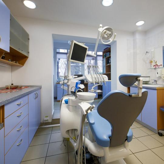 http://dentalplus.ro/wp-content/uploads/2015/12/Dental-By-JordaniStudio-008-copy-540x540.jpg
