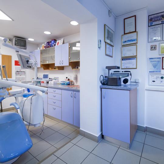 http://dentalplus.ro/wp-content/uploads/2015/12/Dental-By-JordaniStudio-011-copy-540x540.jpg