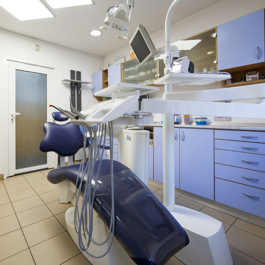 http://dentalplus.ro/wp-content/uploads/2015/12/Dental-By-JordaniStudio-013-copy-540x540.jpg
