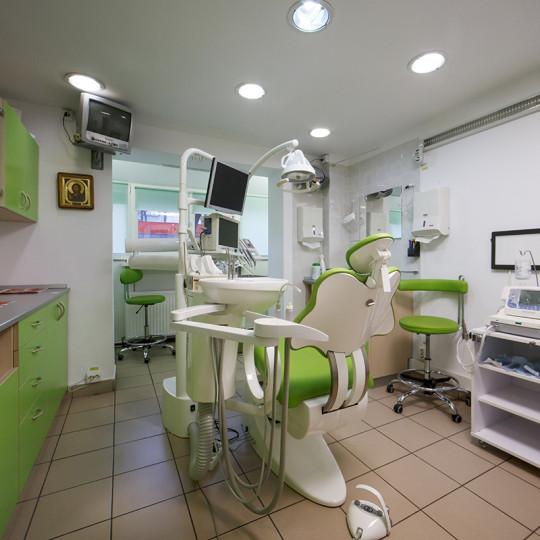 http://dentalplus.ro/wp-content/uploads/2015/12/Dental-By-JordaniStudio-016-copy-540x540.jpg