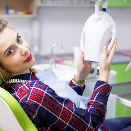 http://dentalplus.ro/wp-content/uploads/2015/12/Dental-Echipa-By-JordaniStudio-052-copy-540x540.jpg